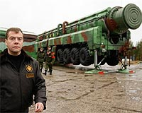 medvedev-rs-12m-topol-ballistic-missile-icbm-plesetsk-afp-bg